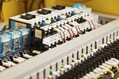 Cableado y componentes eléctricos Imagenes de archivo