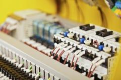 Cableado y componentes eléctricos imagen de archivo libre de regalías