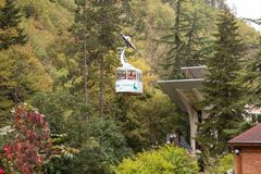 Cablecarril de Borjomi foto de archivo libre de regalías