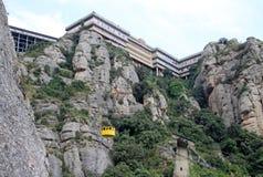 Cablecarril a la abadía benedictina Santa Maria de Montserrat en Monistrol de Montserrat, España Imagenes de archivo