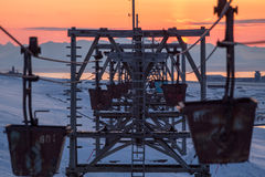 Cablecarril viejo al carbón que transporta en Longyearbyen, Spitsbergen ( Fotos de archivo
