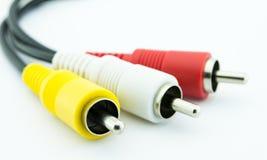 cables blancos rojos y amarillos del enchufe fotos de archivo libres de regalías