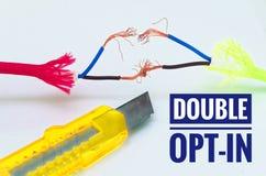 Cables coloridos Optar-en los cuales fueron remendados por separado e improvisación y un cuchillo del arte con el doble de la ins foto de archivo libre de regalías