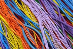 Cables eléctricos y alambres fotografía de archivo libre de regalías