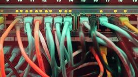 Cables y luces conectados del centelleo almacen de video