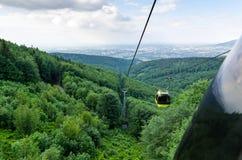 Cableway στα πολωνικά βουνά στοκ φωτογραφία