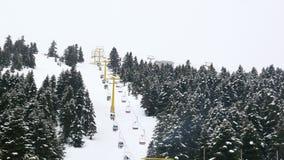 cableway στο αθλητικό κέντρο χειμερινού χιονιού, uludag, Bursa, Τουρκία φιλμ μικρού μήκους