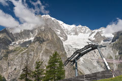 Cableway beneath mont Blanc Royalty Free Stock Image