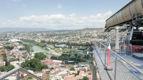 Cableway i huvudstaden av Georgia Tbilisi lager videofilmer