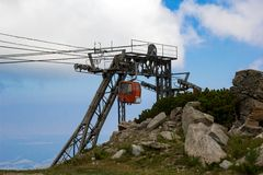 Cableway in the mountains Stock Photography