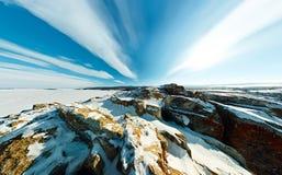 Cabo aéreo ancho de la roca del chamán en el amanecer en la isla de Olkhon Fotografía de archivo