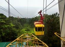 Cabo aéreo Mishor Ai-Petri na chuva Foto de Stock Royalty Free