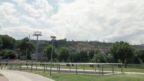 Cabo aéreo na capital de Georgia Tbilisi video estoque