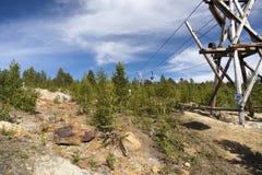 Cabo aéreo velho da mineração, mina de cobre, Folldal Foto de Stock
