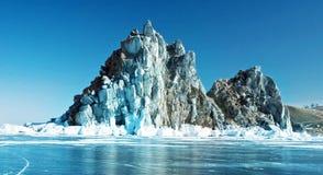Cabo Burhan na costa oeste da ilha de Olkhon Foto de Stock