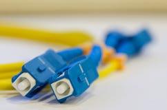 Cabo de fibra ótica imagens de stock