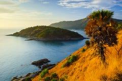 Cabo de Phromthep no por do sol Phuket, Tailândia Fotografia de Stock