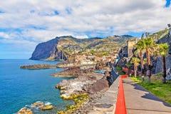 Cabo Girao/港口Camara de罗伯斯,马德拉岛 免版税库存照片