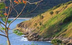 Cabo Phuket Tailândia de Promthep do ponto de vista imagens de stock