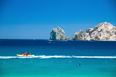 Cabo San Lucas Boat i havet arkivbilder