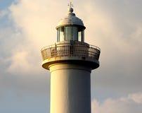 Cabo Zampa do farol, vila de Yomitan, Okinawa Japan no por do sol fotos de stock