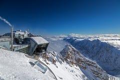 Cabografe a estação de trem no pico de Zugspitze, Alemanha Fotografia de Stock