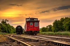 Caboose al tramonto in Orangeville, Ontario immagine stock