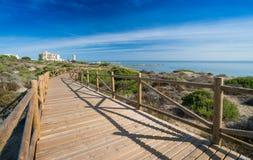 Cabopino, Costa del Sol, España con el nuevo paseo marítimo Imágenes de archivo libres de regalías