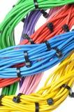 Cabos bondes das cores com cintas plásticas Fotos de Stock Royalty Free