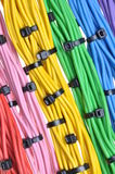 Cabos bondes das cores com cintas plásticas Imagem de Stock Royalty Free