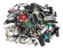 Cabos e dispositivos velhos do computador no fundo branco Imagem de Stock Royalty Free