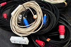 Cabos múltiplos da energia elétrica Fotografia de Stock