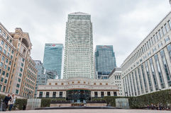 Cabot Square in Canary Wharf op een bewolkte dag Royalty-vrije Stock Afbeelding