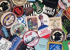 Caboteurs de bière de beaucoup d'endroits image libre de droits