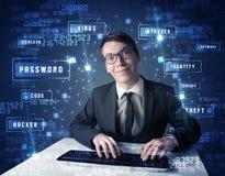 Cabouqueiro que programa no ambiente da tecnologia com ícones do cyber Fotografia de Stock Royalty Free