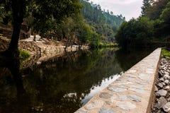 Cabreira flod- strand Royaltyfri Bild