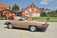Cabrio d'annata di Mercedes 380 SL Fotografie Stock