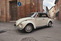 Cabriolé alemán clásico del escarabajo del tipo 1 de Volkswagen del coche fotos de archivo libres de regalías
