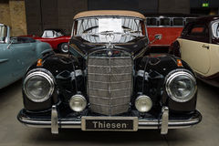 Cabriolé de Mercedes-Benz 300 S de la limusina (W 188 I) Fotos de archivo