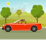 Cabriolet с взглядом со стороны пар Смешная афро американская семья управляя в красном автомобиле на празднике выходных иллюстрация штока