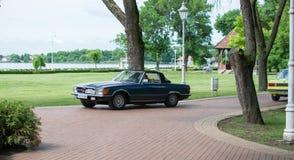 Cabriolet de Mercedes SL à partir de 1974 sur l'exposition d'oldtimer en Serbie Photographie stock
