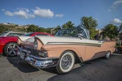 1957 cabriolet för vadställefairlane 500 Arkivfoto