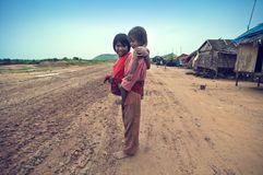 Cabritos camboyanos pobres Foto de archivo libre de regalías
