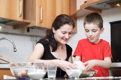 Cabritos en la cocina Foto de archivo libre de regalías