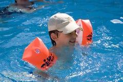 Cabritos en la piscina Imagen de archivo