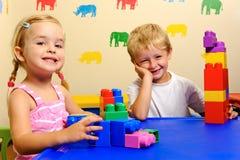 Cabritos preescolares alegres Fotografía de archivo libre de regalías