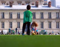 Cabritos que juegan al balompié Foto de archivo libre de regalías