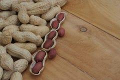 Cacahuetes en Shell Fotografía de archivo