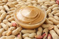 Cacahuetes y mantequilla de cacahuete fotografía de archivo libre de regalías