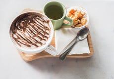 Cacao caliente con las galletas Fotografía de archivo